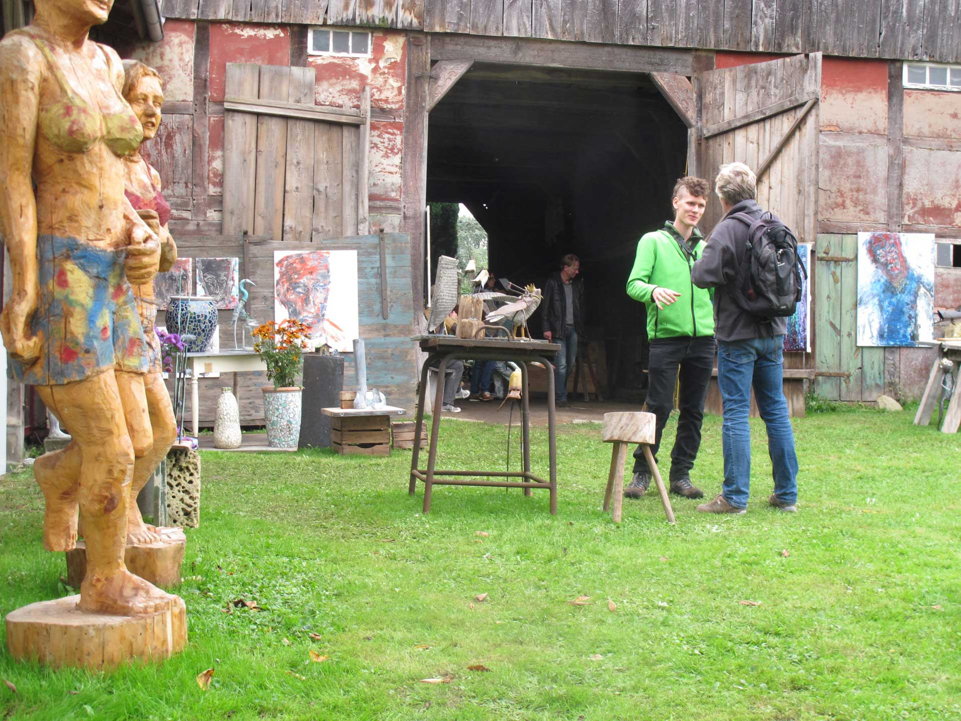 HofKunst in Häger - 2013 - Vor der Scheune